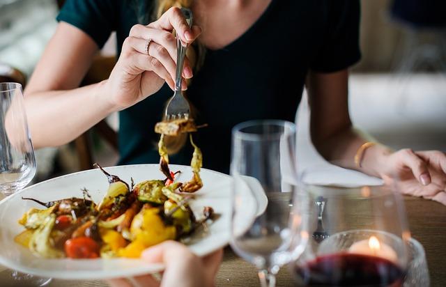 飲食店にホームページは必要?ホームページ制作・運用で集客を増やそう!